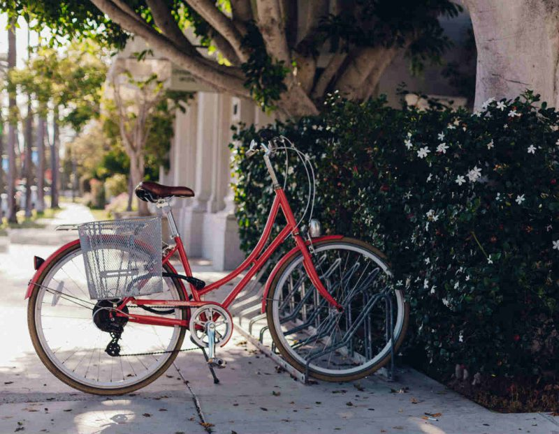 fiets in fietsenrek